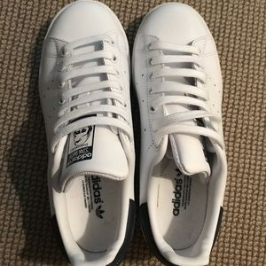 Adidas Stan Smiths (fits like women's 7.5)